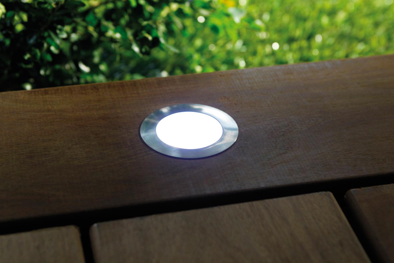 Sport LED encastré dans terrasse bois