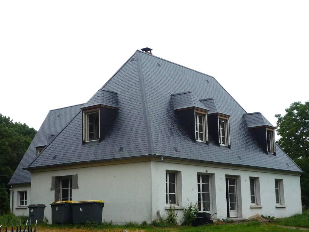Installation de lucarnes sur une maison ancienne