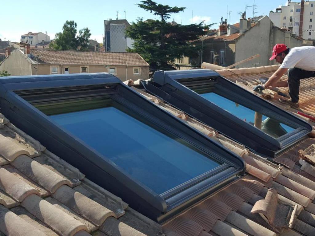 Pose de fenêtres de toit