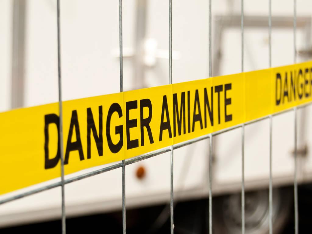 Pourquoi l'amiante est-il interdit dans les bâtiments ?