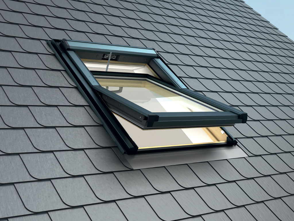 Fenêtre de toit à ouverture basculante