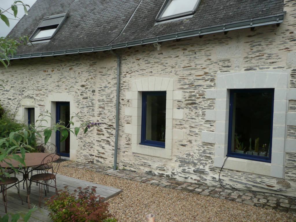 Couleur Façade Maison Ancienne fenêtre pour maison ancienne : forme, matériaux et couleurs