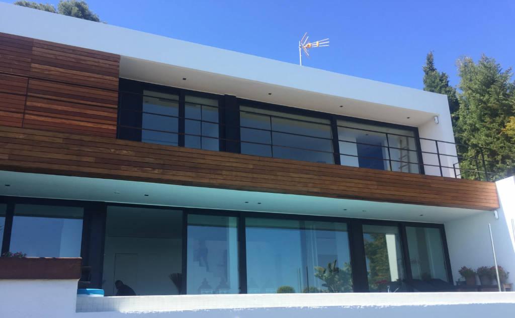 Fenêtres sur une maison d'architecte