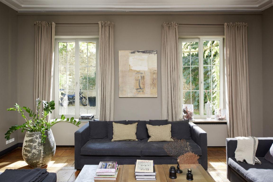 Fenêtres battantes dans un séjour
